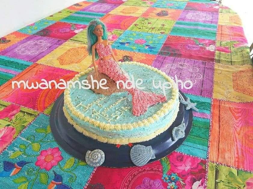 Gâteau barbie sirène sur rocher