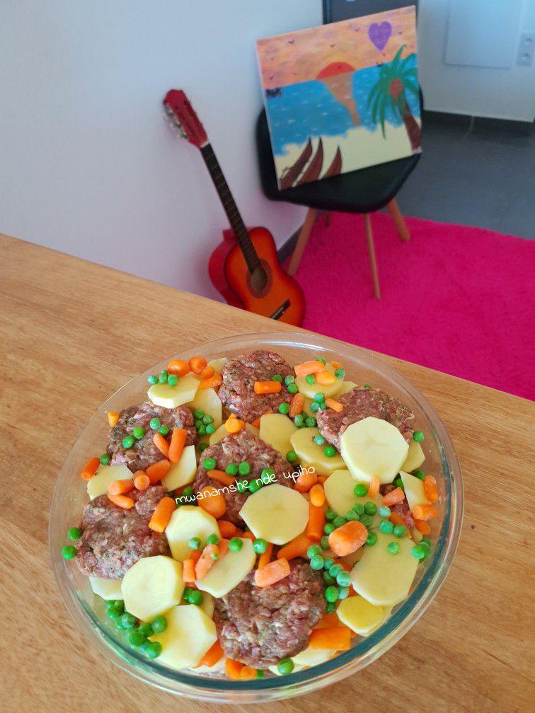 Viande hachée et légumes au four