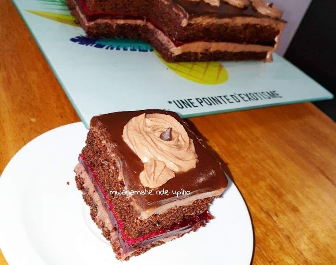 Entremet au chocolat et fraises