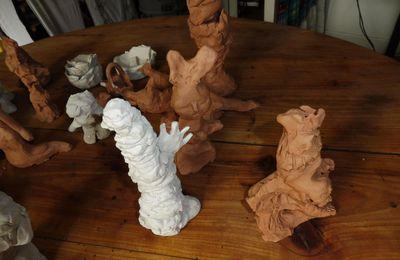 Sculptures d'enfants d'un hôpital de jour