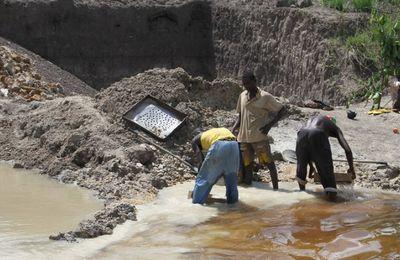 Développement durable.  Le secteur minier artisanal au centre des préoccupations
