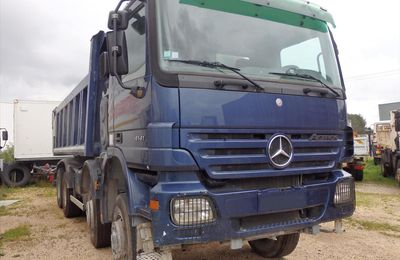Camion MERCEDES ACTROS 4141 8x6 Benne