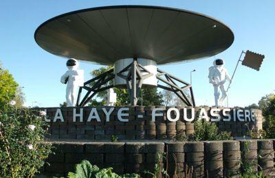 Le rond-point ovni soucoupe volante à La Haye-Fouassière en Loire-Atlantique