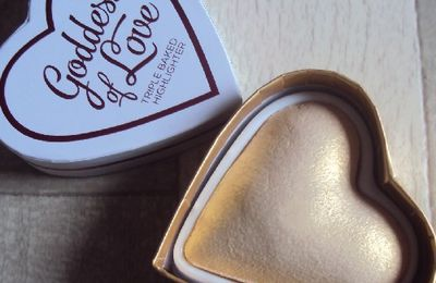 Golden Goddess highlighter de I ♥ Makeup