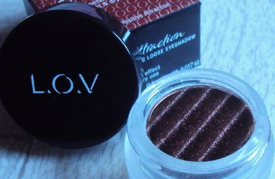 Mon fard Positive Attraction magnetic loose eyeshadow de L.O.V.