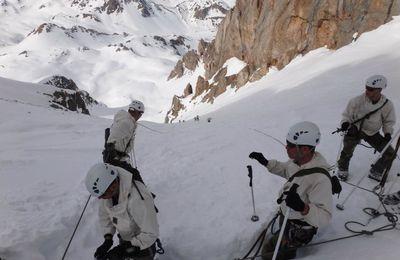 Le PGHM et le GAM s'entraînent ensemble au secours en montagne