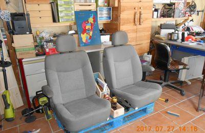 Sièges de voiture détournés en fauteuils