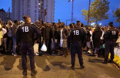Migrants évacués à la Chapelle : « ce genre d'opération coup de poing n'a aucun intérêt »