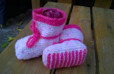 TUTO CHAUSSONS AU TRICOT TAILLE 0/3 MOIS...