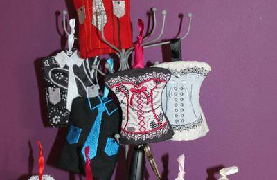 Porte Clefs chemise et corset