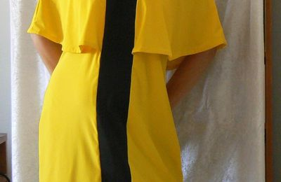 ROBE JAUNE A VOLANTS ET BRETELLES CONTRASTEES (Patron VOGUE 9238)