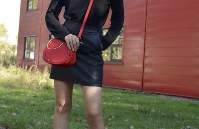 Rock'n Glam en mini jupe simili cuir  🖤❤️💥
