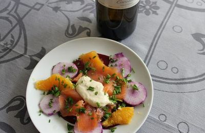 Saumon fumé, carpaccio de betterave et radis violet
