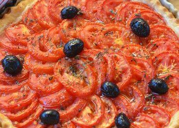 Tarte à la tomate et à l'amande