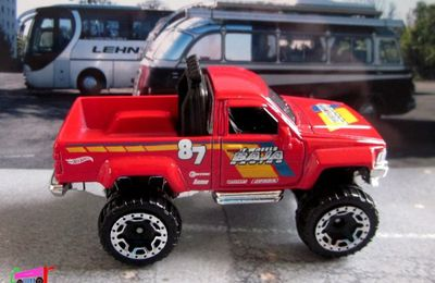 TOYOTA PICKUP TRUCK 1987 HOT WHEELS 1/64