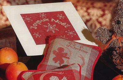 Pique-aiguilles et carte de voeux pour Noël