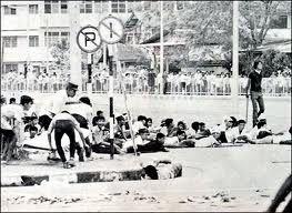43ème anniversaire de la Révolution thaïlandaise de 1973; un article de la BBC daté du 14 octobre 1973
