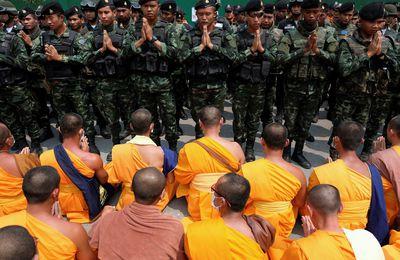 Lutte sans fin entre la junte militaire thaïlandaise et le mouvement bouddhique Dhammakaya