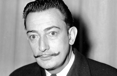 28 ans après son décès, la moustache de Salvador Dali est intacte