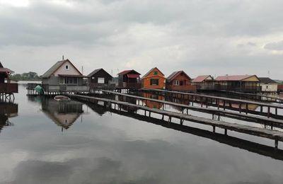 Photos du Bokodi Tó (lac) à Oroszlány de Tamás Döbröntei