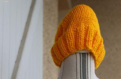 bonnet jaune téléthon
