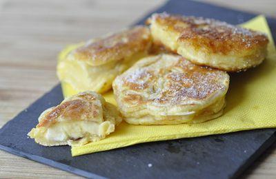 Pancakes fourrés aux pommes ou faux beignets aux pommes sans friture