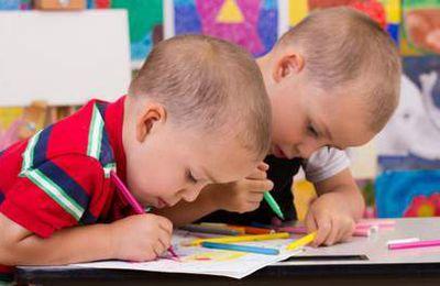 Dix jumeaux dans la même classe de maternelle