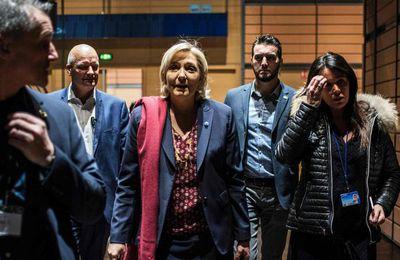 Assistants parlementaires du FN: deux proches de Marine Le Pen en garde à vue