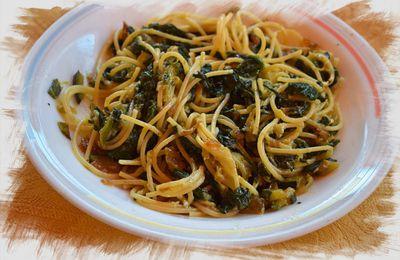 Espaguetis con verduras con bacon  y salsa de queso