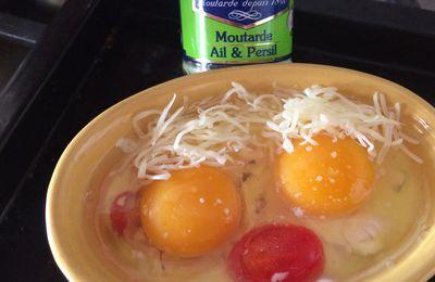 Oeufs cocotte tomate cerise et moutarde à l'ail et persil