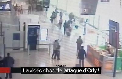 La vidéo choc de l'attaque d'Orly ! #Orly