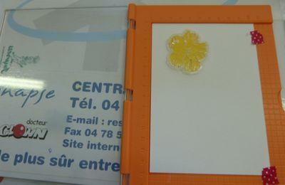 des cartes tampons fleurs  avec utilisation de ''Impress Stamping Tool''