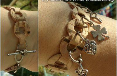 Joli bracelet border die en cuir végétal de liège avec breloques