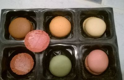DES MACARONS FACILES AVEC UNE GARNITURE ULTRA SIMPLE...EDIT