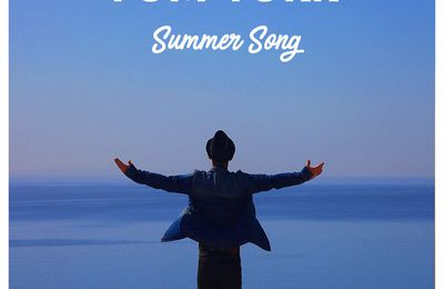 Tom York plus pop/rock nous offre la chanson, Summer Song.