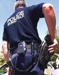 FRANCE : Police municipale, feu vert pour le port de pistolets 9 mm