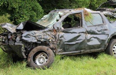 Cassel   - Un automobiliste et son fils de 4 ans grièvement blessés