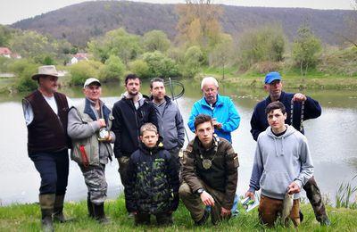 Der neue König des Angelvereins Veitshöchheim heißt Maximilian Helmerich - Umfangreiche Investitionen in vereinseigene Seen geplant
