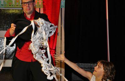 Als Riesenüberraschung verzauberte ZaPPaloTT alias Christian Perleth beim Abschlussabend der französischen Bürgerreise - Viel Lob für PB Eva Trampe