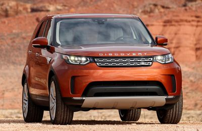 VOITURES DE LEGENDE (718) : LAND ROVER DISCOVERY  HSE LUXURY - 2017