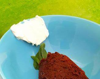 Chocolat , crème et menthe fraîche
