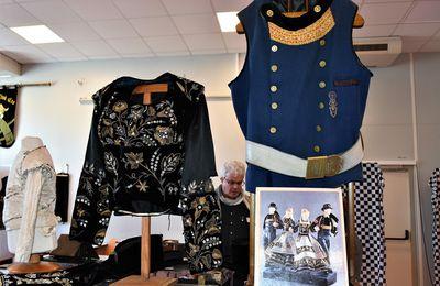 """"""" Le costume breton dans le pays glazig """", une expo au Moulin Vert à Quimper"""
