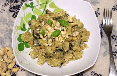 Curry d'aubergine au lait de coco, tofu et noix de cajou