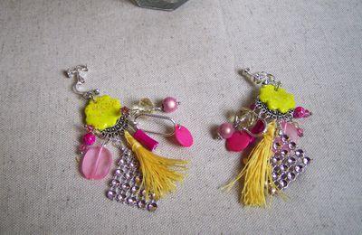 boucles d'oreilles rose et jaune