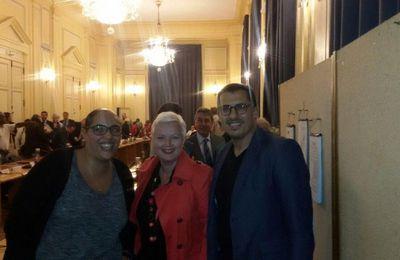 La chanteuse de Blondie fait une apparition surprise au conseil municipal à Aulnay-sous-Bois !