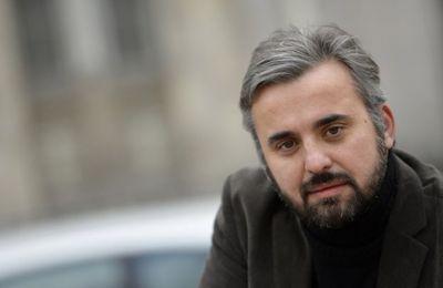 Grâce à des courses à 5 €, la France insoumise tacle la réforme des APL