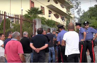 Sicile : « le gouvernement investit dans l'accueil de migrants et pas dans notre ville » déclare un maire italien