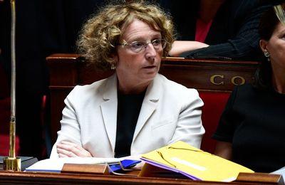 La ministre du travail Muriel Pénicaud aurait gagné 1,13 million d'euros grâce à une suppression d'emplois. MàJ : elle a perçu 4,74 millions d'euros net en 3 ans