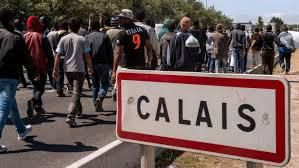 Calais : que sont devenus les 7400 migrants évacués de la jungle ?