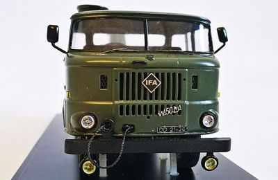 Camion IFA W50 LA/AB grue au 1:43 (Kimmeria)